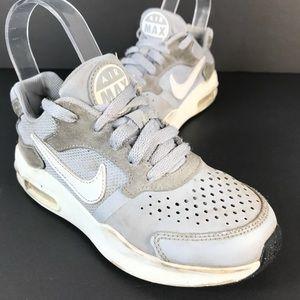 Nike boy sneakers 1Y